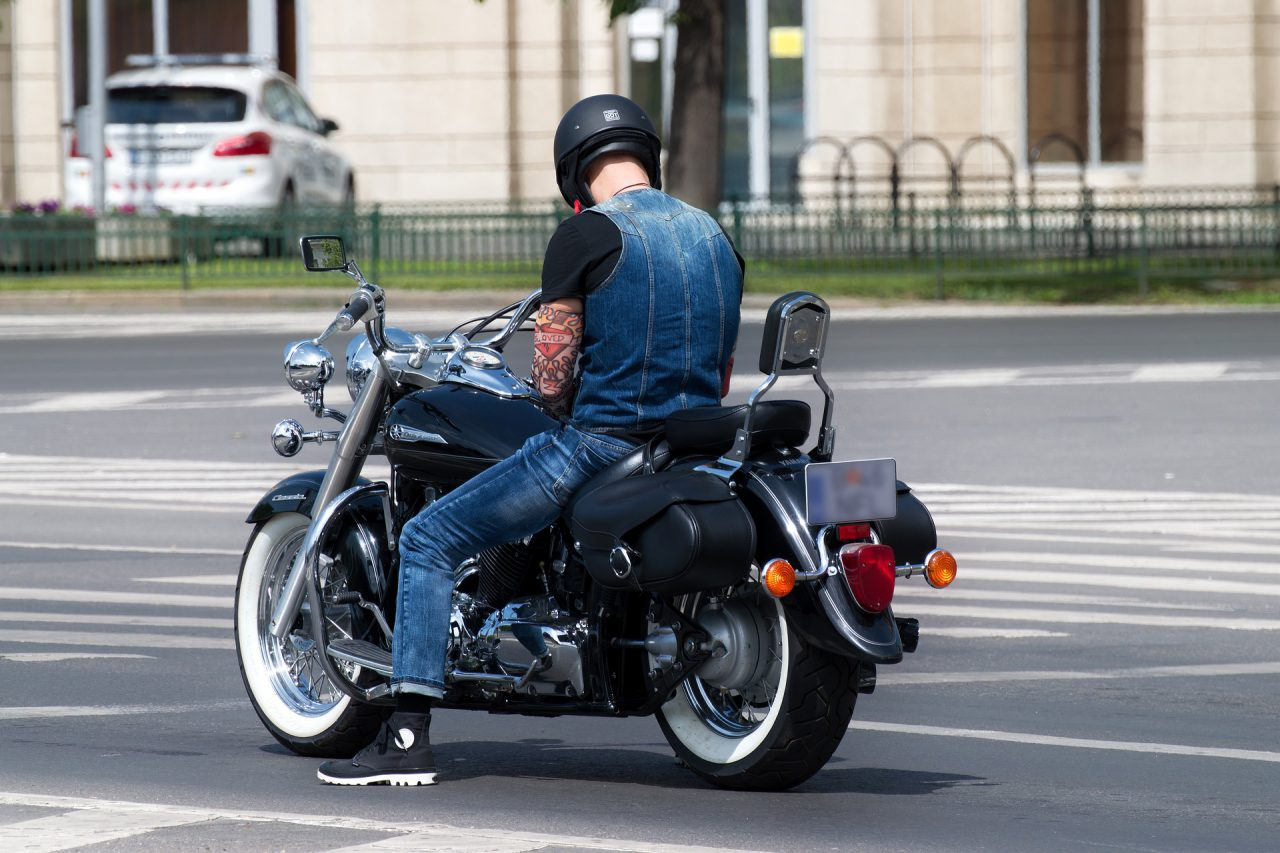 Jakie są najbardziej przydatne akcesoria dla motocyklisty?